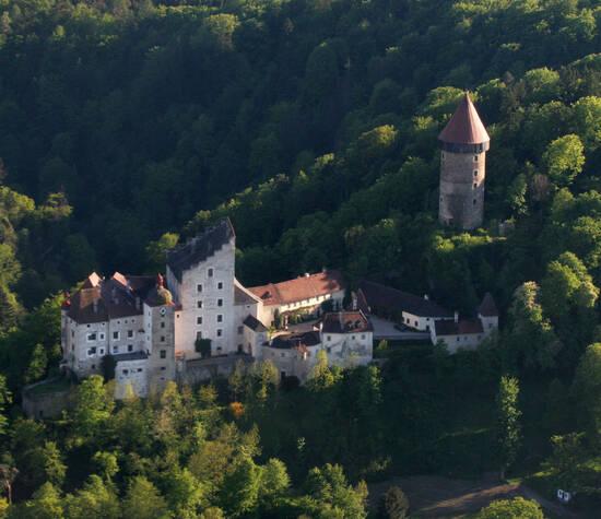 Beispiel: Burg aus der Vogrlperspektive, Foto: Burg Clam.